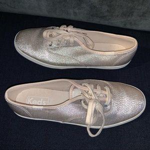NWOT Keds metallic gold silver sneaker size 5.5